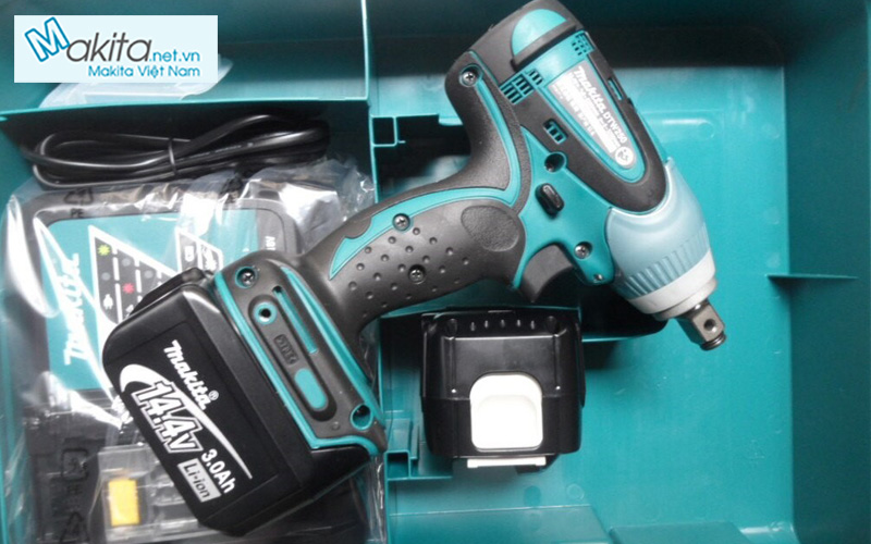 may-van-vit-dung-pin-makita-dtw250rfe